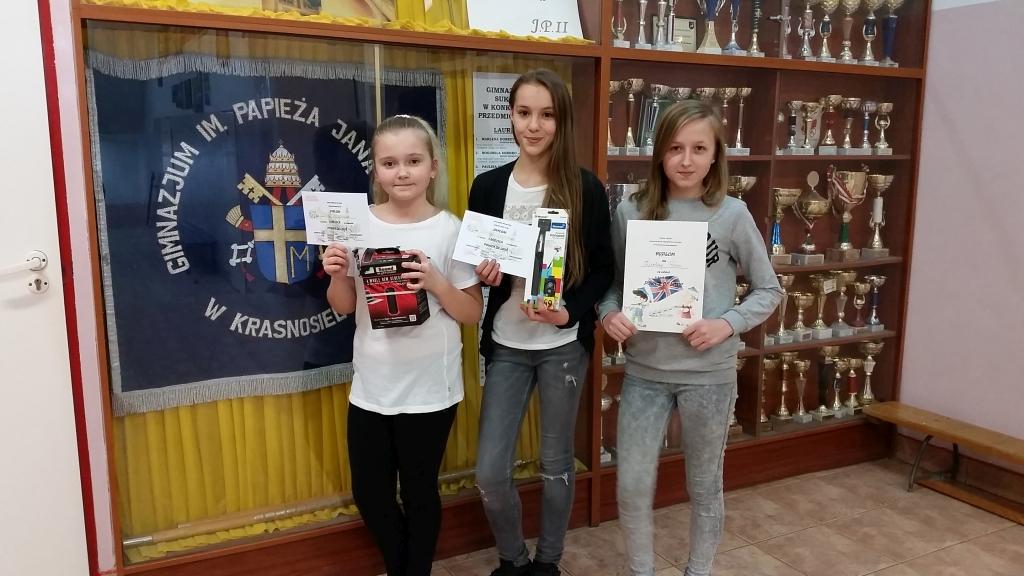 Sukcesy uczniów z Krasnosielca w powiatowym konkursie piosenki angielskiej